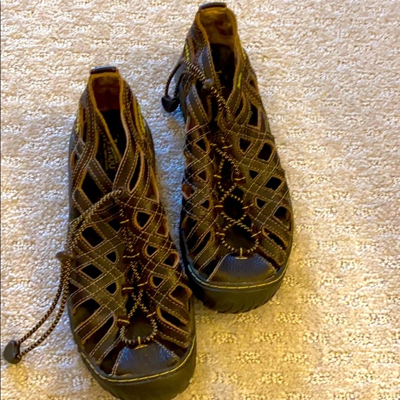 Jambu hiking shoes